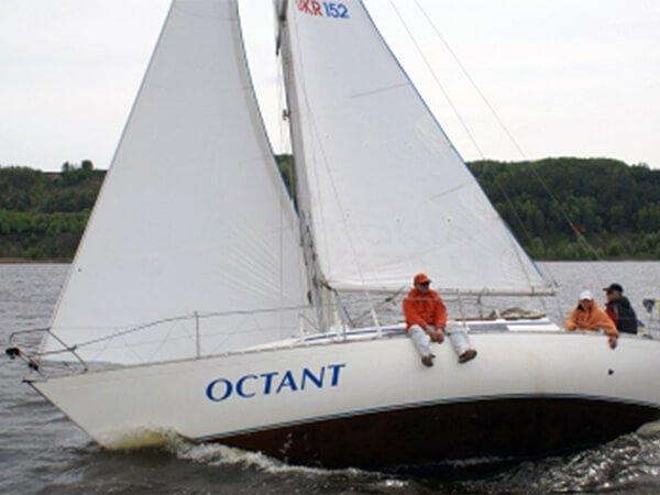 Парусная яхта ОКТАНТ