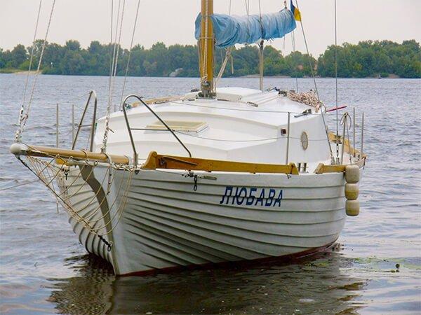 Снять яхту ЛЮБАВА