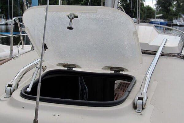 яхта Квин (люк)