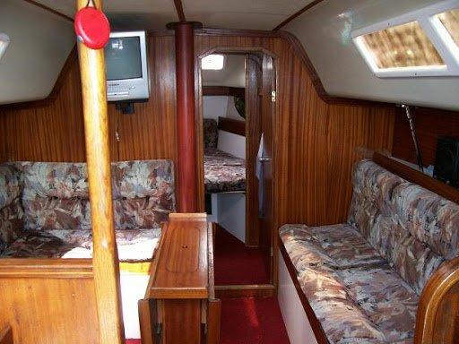 Яхта Лора - носовая каюта