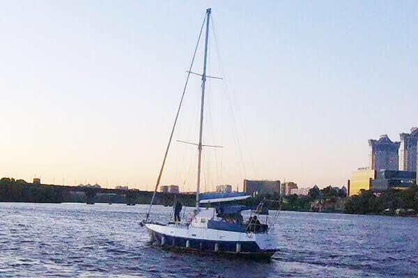 яхта Яна Киев
